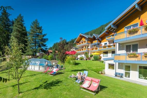 Außenpool, Hotel Hammerwirt-Forellenhof in Untertauern