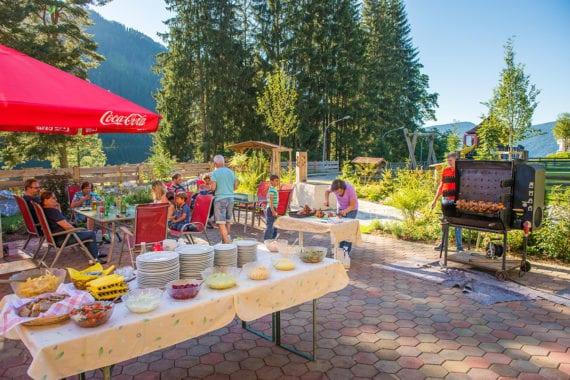 Grillabend im Sommer - Hammerwirt-Forellenhof in Untertauern
