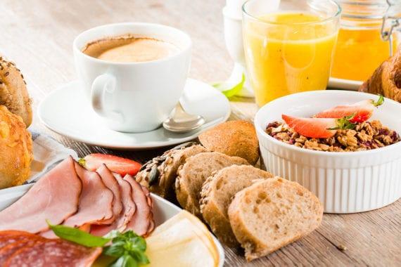 Frühstücksbuffet, Zimmer in Untertauern, Salzburger Land