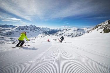 Skifahren im schneesicheren Skigebiet